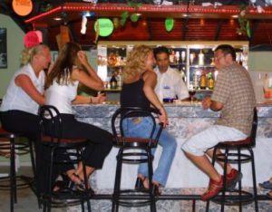 распитие спиртного в номере